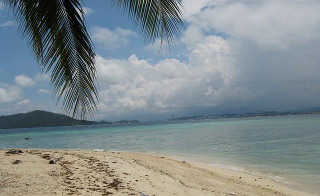Manukan beach, Borneo