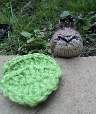 Jenny Jones kissy knitted slug
