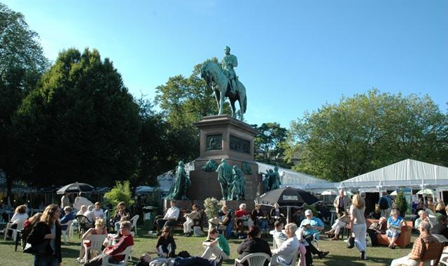 Edinburgh book festival gardens