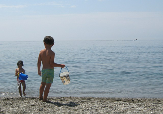 Small children, beach cr Judy Darley
