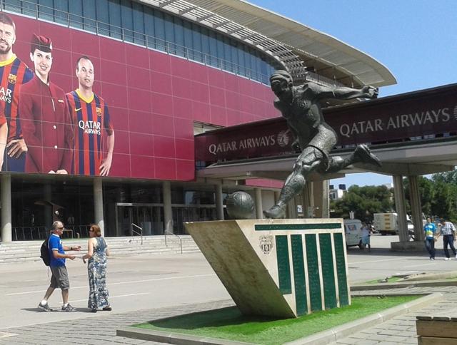 FC Barcelona sculpture cr Beccy Downes