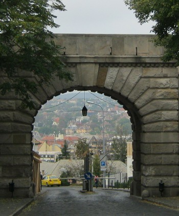 Budapest castle district Vienna Gate cr Judy Darley