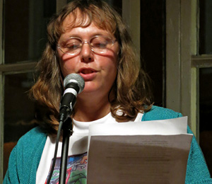 louise-gethin-reads-signs-at-small-stories-bristol-nov-2014