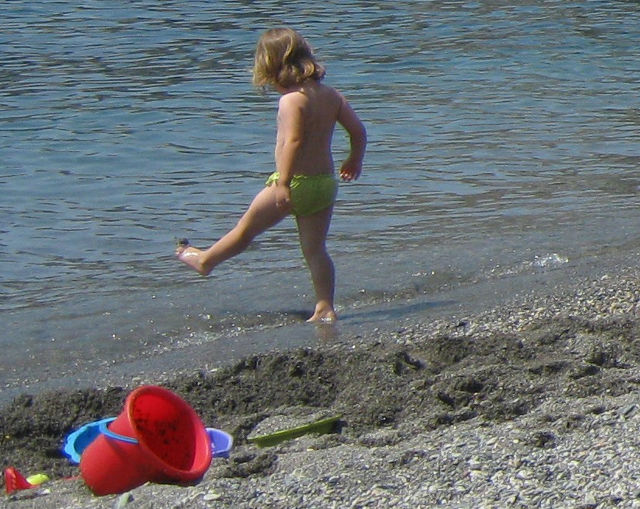 Child, beach cr Judy Darley