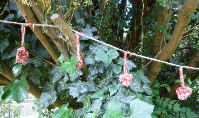 Knit graffiti in Arnos Vale cr Judy Darley