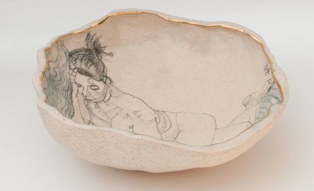 yurim-gough-korean-ceramic-artist-sleeping-on-the-wave-angle-view
