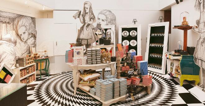 BRITISH LIBRARY - ALICE IN WONDERLAND POP UP SHOP