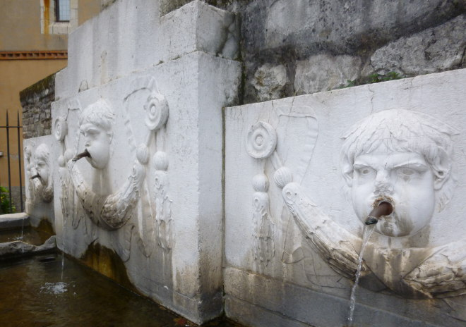 Cherubic Brescia fountain cr Judy Darley