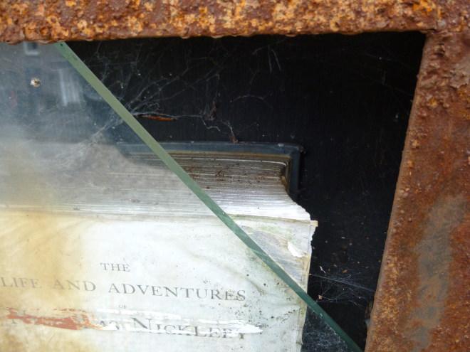 Hay-on-Wye book pyramid cr Judy Darley