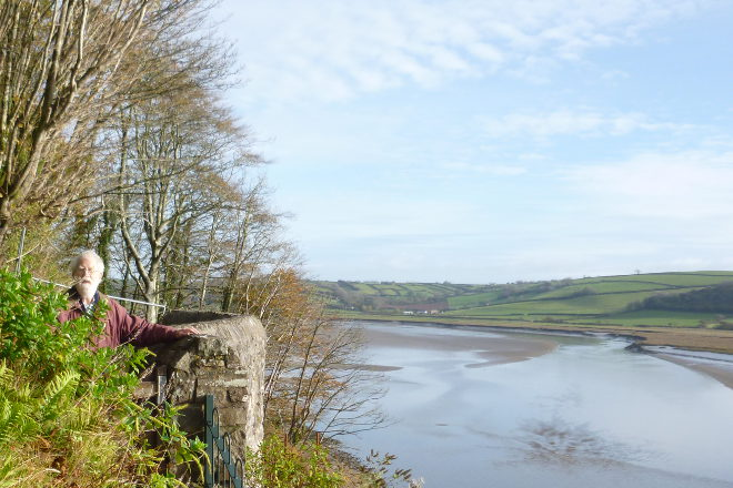 Walking to Dylan Thomas' home in Laugharne with Dad 2016 cr Judy Darley