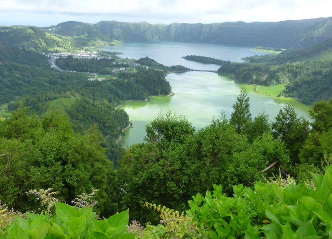 Twin Blue and Green Lakes, Sete Cidades cr Judy Darley