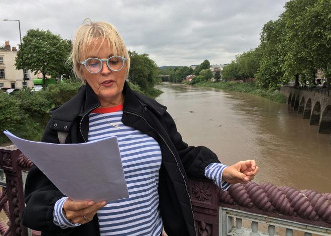 FlashWalk 2018_7 Poppy Hocken reading We'll Always Have Paris by Cath Bore. Pic by Judy Darley